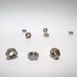 Titanová matice M10 ISO 4032 Grade 2 (kovaná)